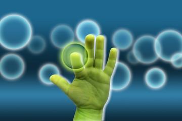 Grüne Hand auf blauem Hintergrund