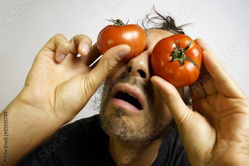 tomaten vor den augen angst von haramis kalfar lizenzfreies foto 35503704 auf. Black Bedroom Furniture Sets. Home Design Ideas