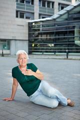 Seniorin nach Herzanfall