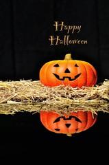 Calabaza de Halloween con Happy Halloween.