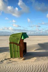 Grüner Strandkorb auf Juist