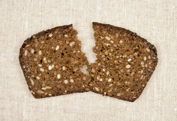 dark_bread_slice