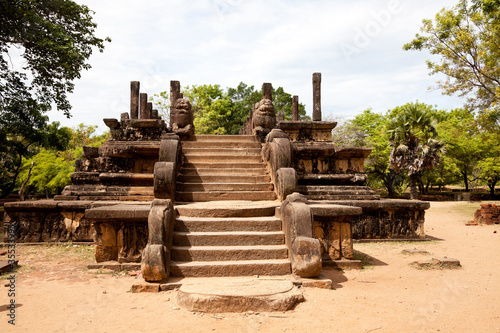 king's council chamber, polonnaruwa, sri lanka