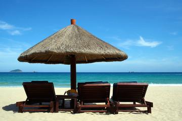 海边-遮阳伞