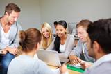Studenten lernen gemeinsam