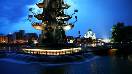 Bottom illuminated monument to Peter Great and fountains