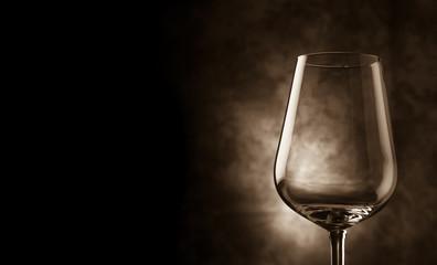 Calice di Vino su sfondo rurale