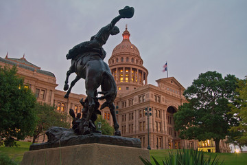 Cowboy Memorial in front of Texas Capitol dome