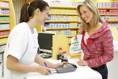 Pharmacienne - Discution cliente