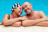 Fototapety pool senior couple