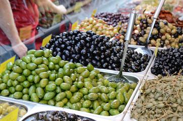 Oliven und Kapern