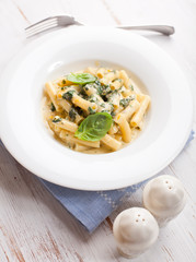Sedani rigati with cream cheese sauce and spinach