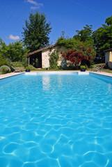 belle piscine dans un cadre buccolique # 02