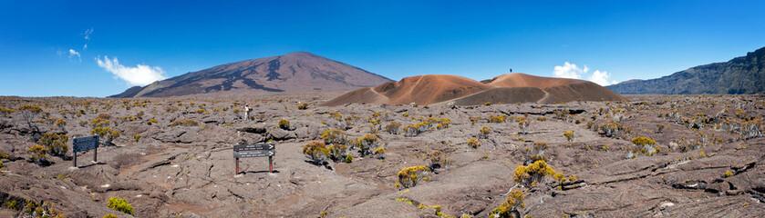Formica Leo et piton de la Fournaise - Réunion