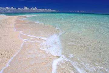 ナガンヌ島の美しい海