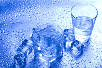 Ice, cold drink