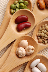 legumi e cucchiai