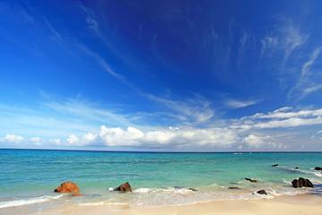 自然豊かな伊平屋の浜辺