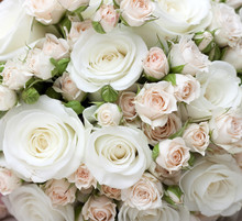 Wedding bouquet de roses blanches pinkand