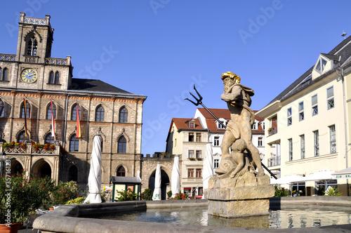 Weimar Rathaus Markt mit Neptunbrunnen - 35716123