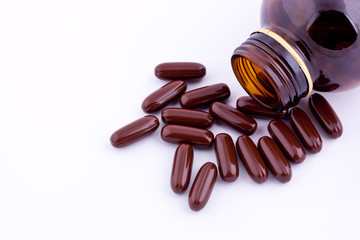 brown vitamin capsules