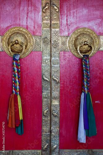 bramy-z-klasztoru-ki