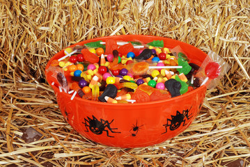 bowl of mixed halloween candy