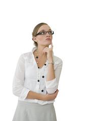 Jeune secrétaire avec un air interrogatif - question