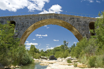 Roman bridge, Pont Julien. Provence