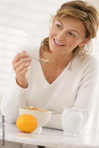 Femme - Petit déjeuner diététique