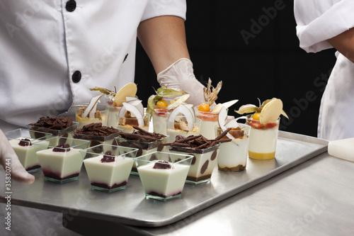 Assortiment de desserts en verrines
