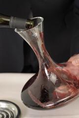 Passer du vin en carafe