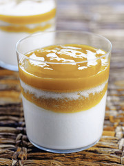 Blanc-manger mangue et lait de coco