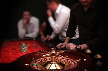 Ruletka - Kasyno - Hazard - Krupier - ludzie