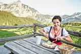 Brettljause in den Alpen