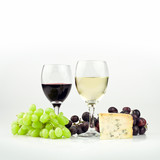 red and white wine with cheese