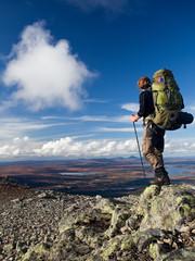 Wanderer auf Trekkingtour in Schweden