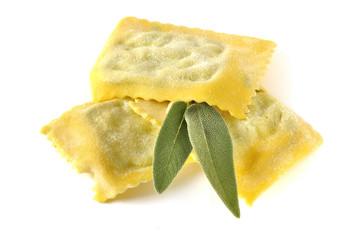 Tortelli con ricotta e spinaci, pasta fresca italiana