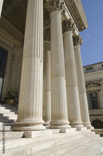 colonnes de tribunal