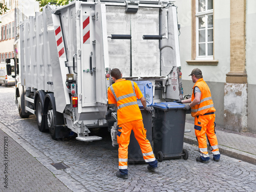 Leinwandbild Motiv Müllabfuhr
