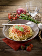 spaghetti with fresh tomatoes sauce and basil