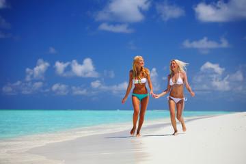 tropical girls run