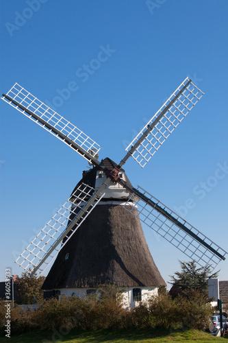 Leinwanddruck Bild Historische Wrixumer Windmühle auf Föhr