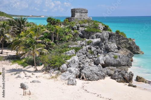 Leinwanddruck Bild Tulum Mayan Ruins in Mexico