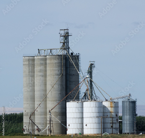 Grain storage silos and elevators