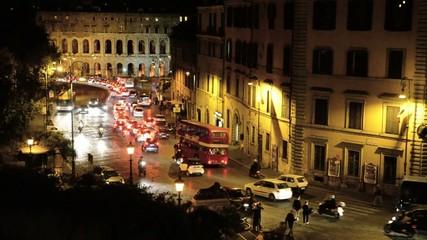 Traffico serale, Via del Teatro di Marcello, Roma