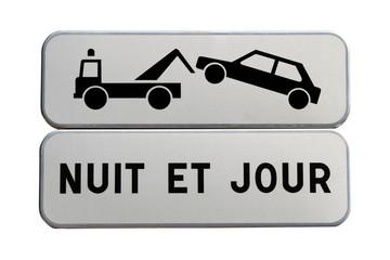 Panneaux de mise en garde pour le stationnement