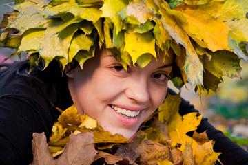 girl in wreath of leaves