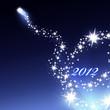 Silbernes Feuerwerk auf blauem Hintergrund 2012
