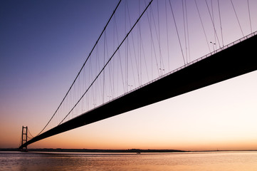 silhouette of humber bridge